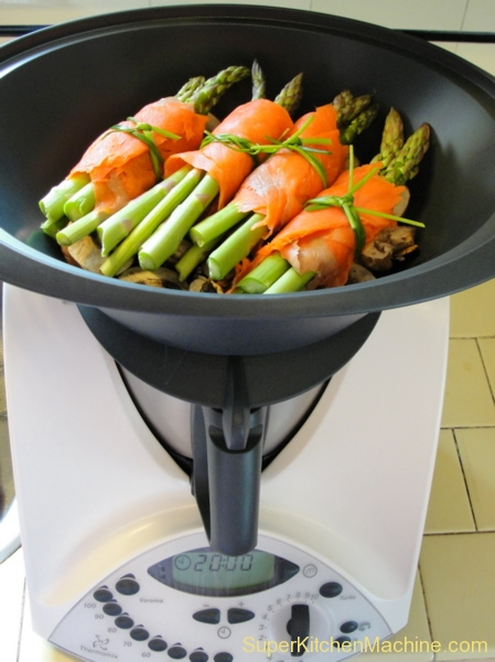 Varoma steamed asparagus bundles with hollandaise - Machine cuisine thermomix ...